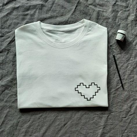 Koszulka ręcznie malowana kwadratowe serce