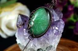 Agat, miedziana broszka z agatem zieleń