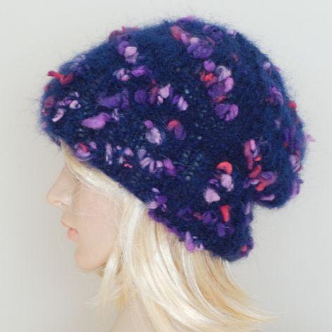 Granatowa moherowa czapka