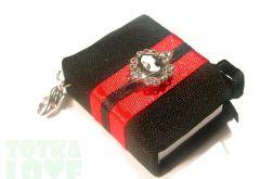 Czarno-czerwony z Kameą