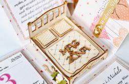 Małżeńskie łoże 001